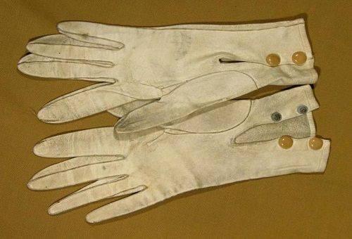 белые перчатки из замша