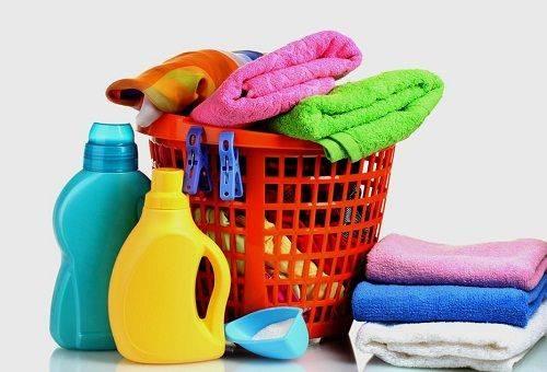 махровые полотенца и средства для стирки