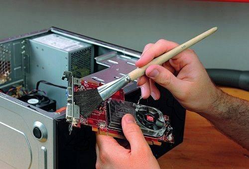 чистка платы компьютера