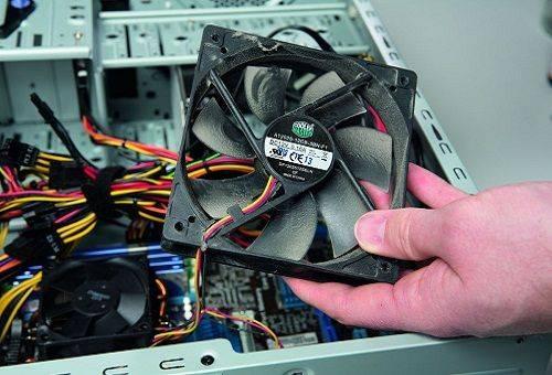 чистка блока компьютера от пыли