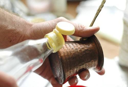 Чистка медной турки уксусом