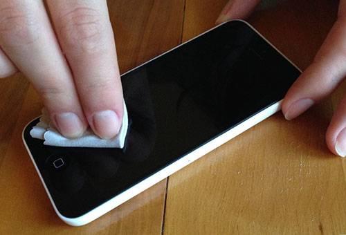 Полировка экрана телефона