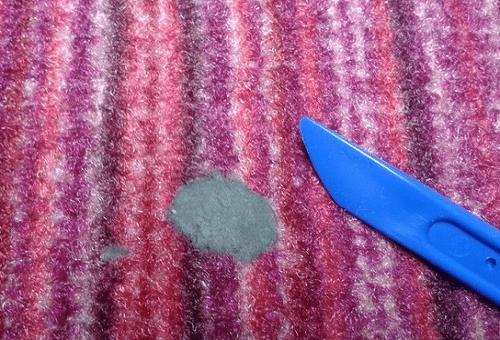 пластилин на ткани