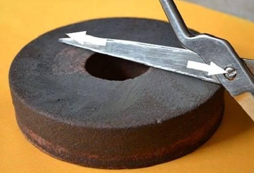 Заточка ножниц с помощью наждачного камня