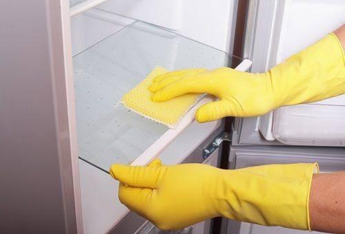 чистка холодильника изнутри