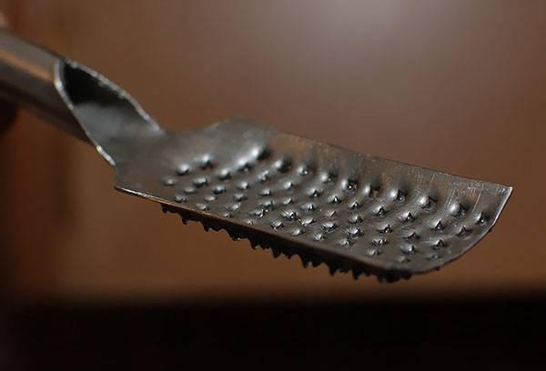 Инструмент для чистки рыбы
