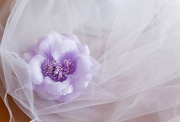 Свадебный фатин с цветком