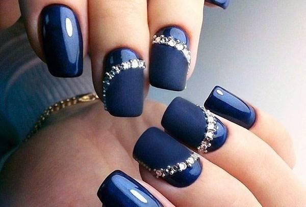 Декор ногтей со стразами