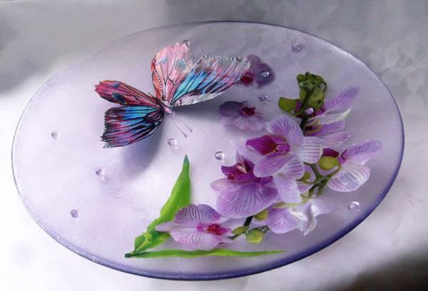 Декупаж на стеклянной тарелке