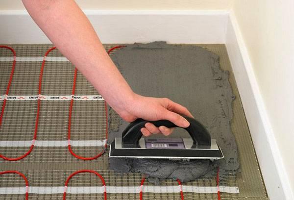 Плиточный клей для инфракрасного теплого пола