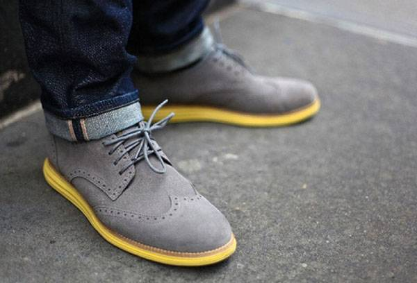 How to dye suede shoes at home?