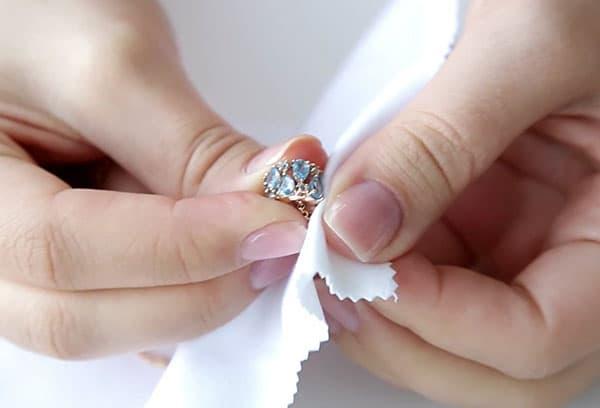 Чистка кольца с топазом