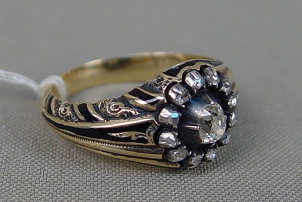Старое кольцо с бриллиантами