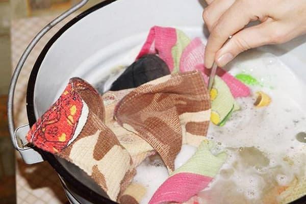 Вываривание кухонных полотенец с маслом