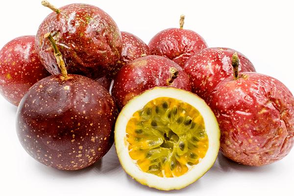 Спелые плоды маракуйи