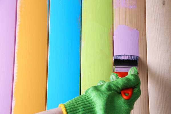 Покраска дерева водоэмульсионной краской