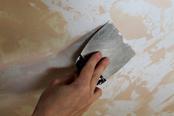 Удаление водоэмульсионной краски шпателем