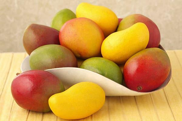 Тарелка с манго