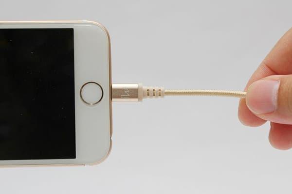 Зарядка для айфона не работает