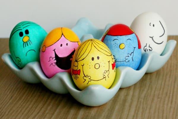 Яйца, разрисованные маркером