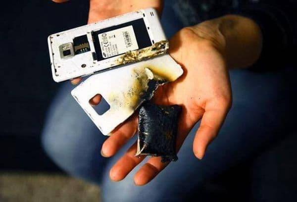 Взорванная батарейка телефона