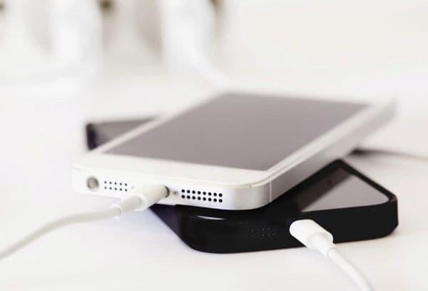 зарядка от смартфона