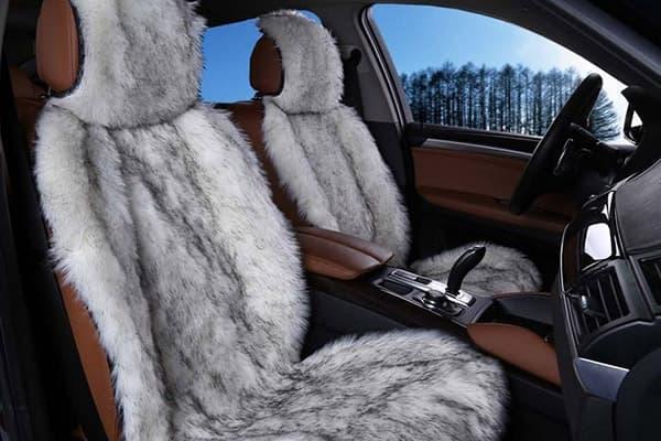 Меховые чехлы в автомобиле
