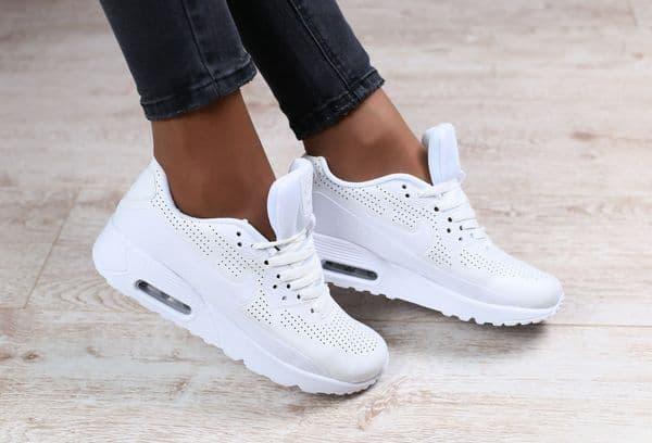 Можно ли чистить белые кроссовки зубной пастой: лайфхак для первозданной белизны обуви