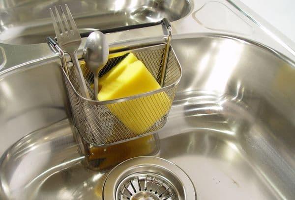 Можно ли мыть мельхиор в посудомойке? Есть способы получше!