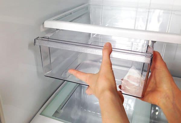 помытые детали холодильника
