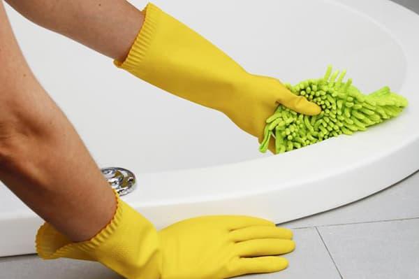 Мытье акриловой ванны