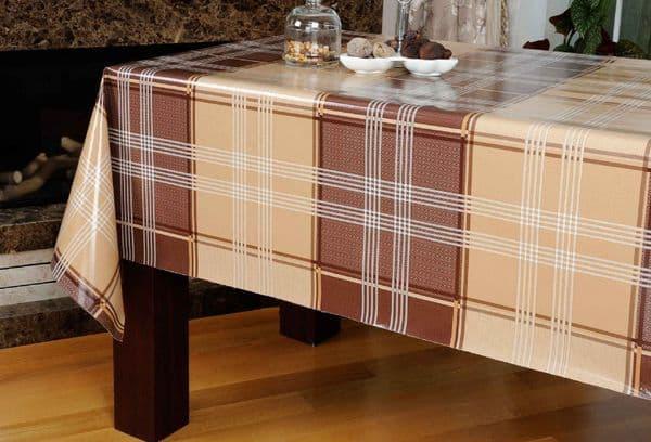 Скатерть на столе из клеенки