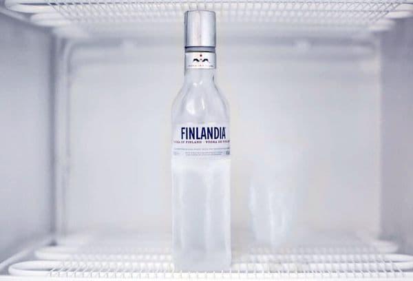водка в морозильнике