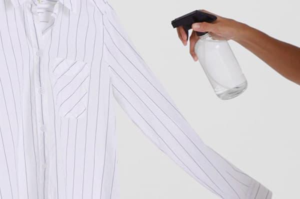 Увлажнение рубашки из пульверизатора
