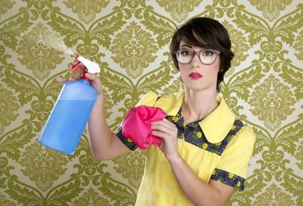 Мытье и чистка обоев