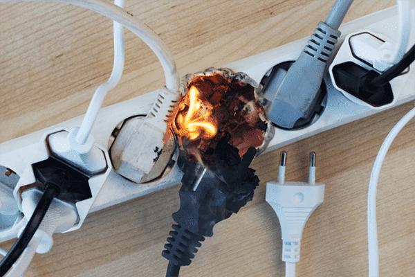 Загорелся сетевой фильтр