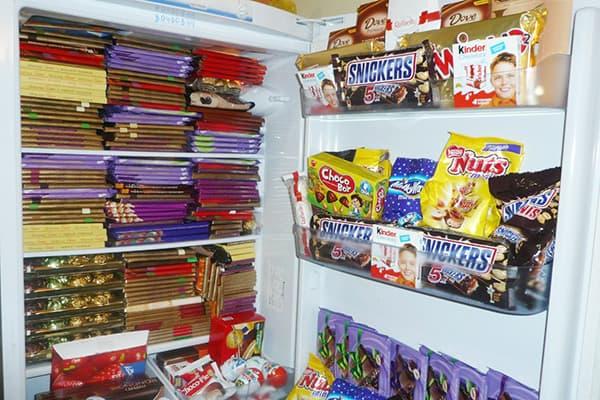 Шоколадки в холодильнике