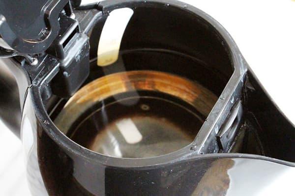 Накипь и ржавчина в чайнике