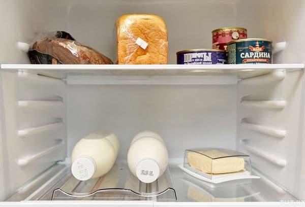 Молочные продукты в холодильнике