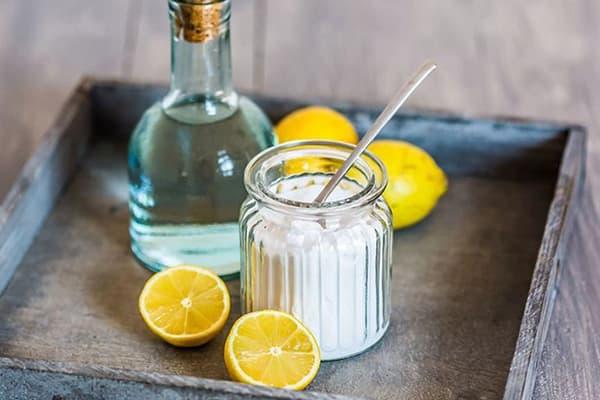 Лимонная кислота, лимоны и вода