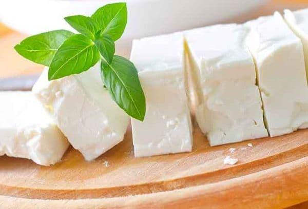 белый сыр моцаерелла