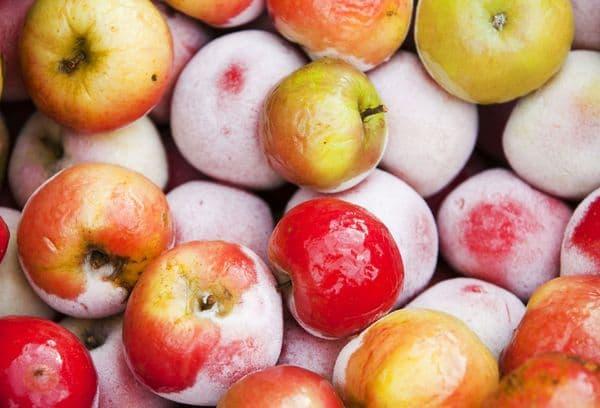 Замороженные яблоки целиком