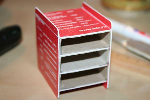 Мини-комод из пластиковых карт и спичечных коробков