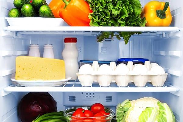 Средние полки холодильника