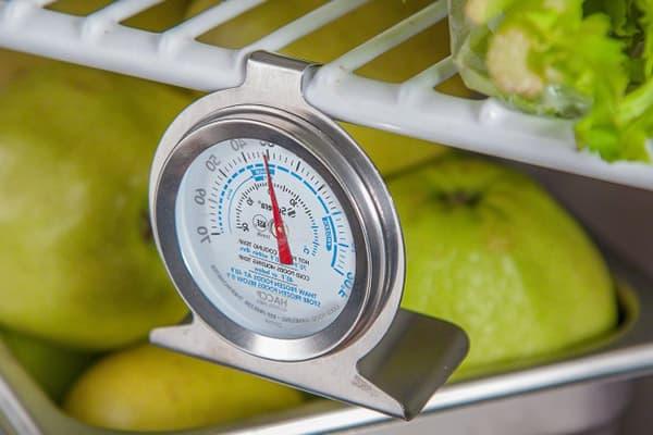 Термометр в холодильнике