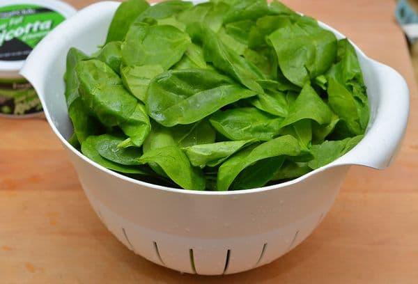Заморозка целых листьев шпината