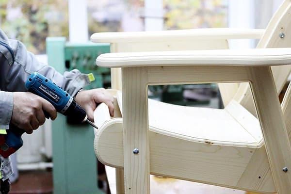 Сборка деревянного кресла