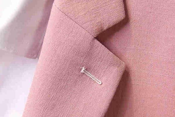 Розовый льняной пиджак