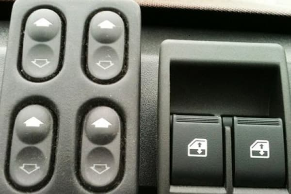 Клавиши стеклоподъемников авто