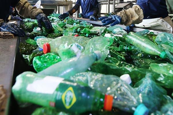 Предприятие по переработке пластиковых бутылок